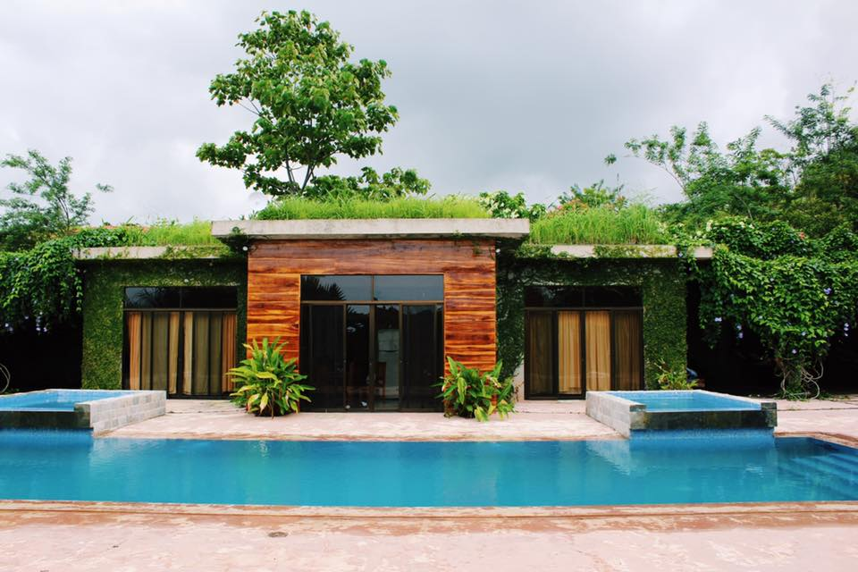 Secret Garden House and salt water pool